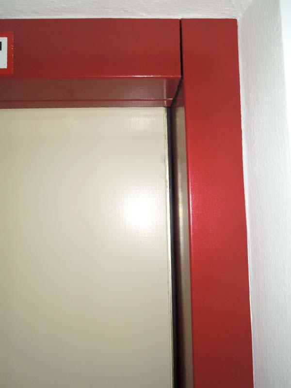 Metallrahmen und Lifttür beschichten
